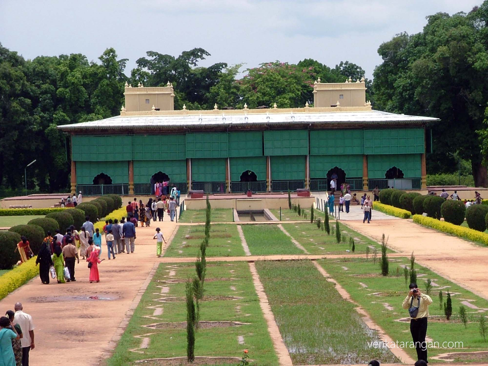 Daria Daulat Bagh palace (literally 'Garden of the Wealth') in Srirangapatna