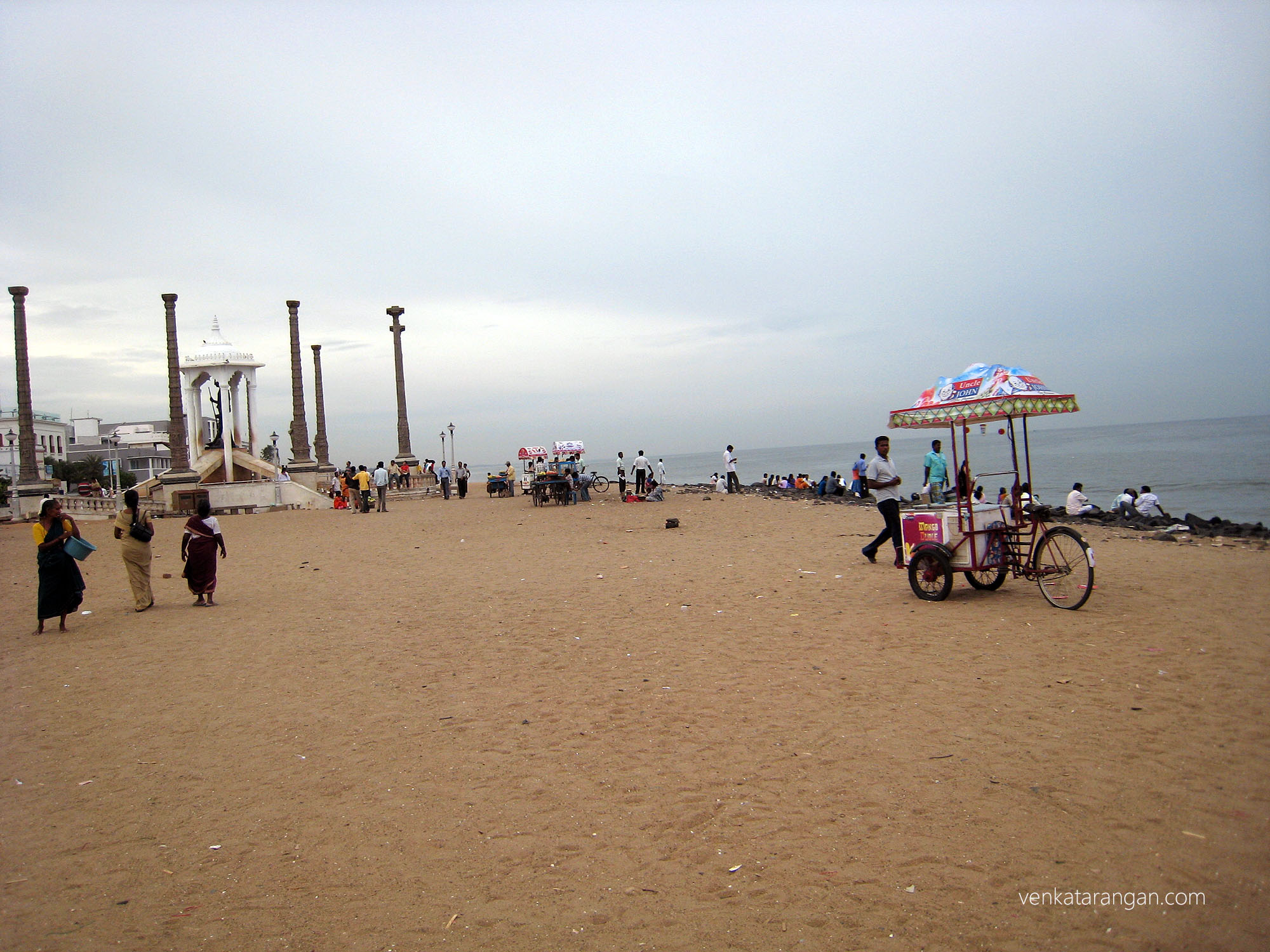 The famous pondicherry beach and Mahatma Gandhi statue