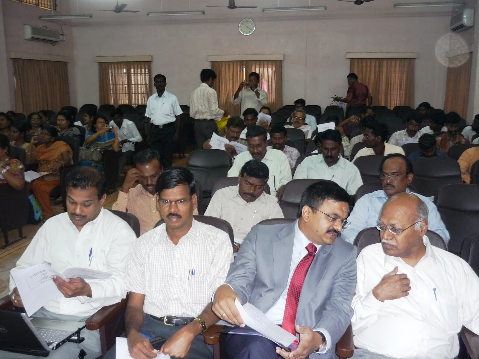 (Seated Front Row) Mr.Raman, Dr.M.Elangovan (Bharatidasan College for Women, Pondicherry), T.N.C.Venkata Rangan (Chair, INFITT), Mr.Ramakrishnan alias Ramki (Tamil Enthusiast & Avid Blogger)