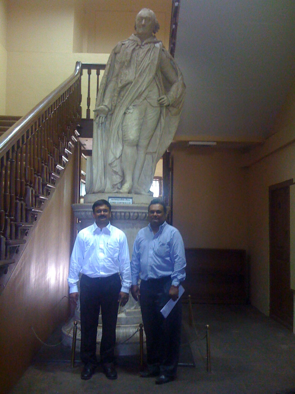 Venkatarangan and Maniam in front of Lord Cornwallis Statue in Fort Museum Chennai