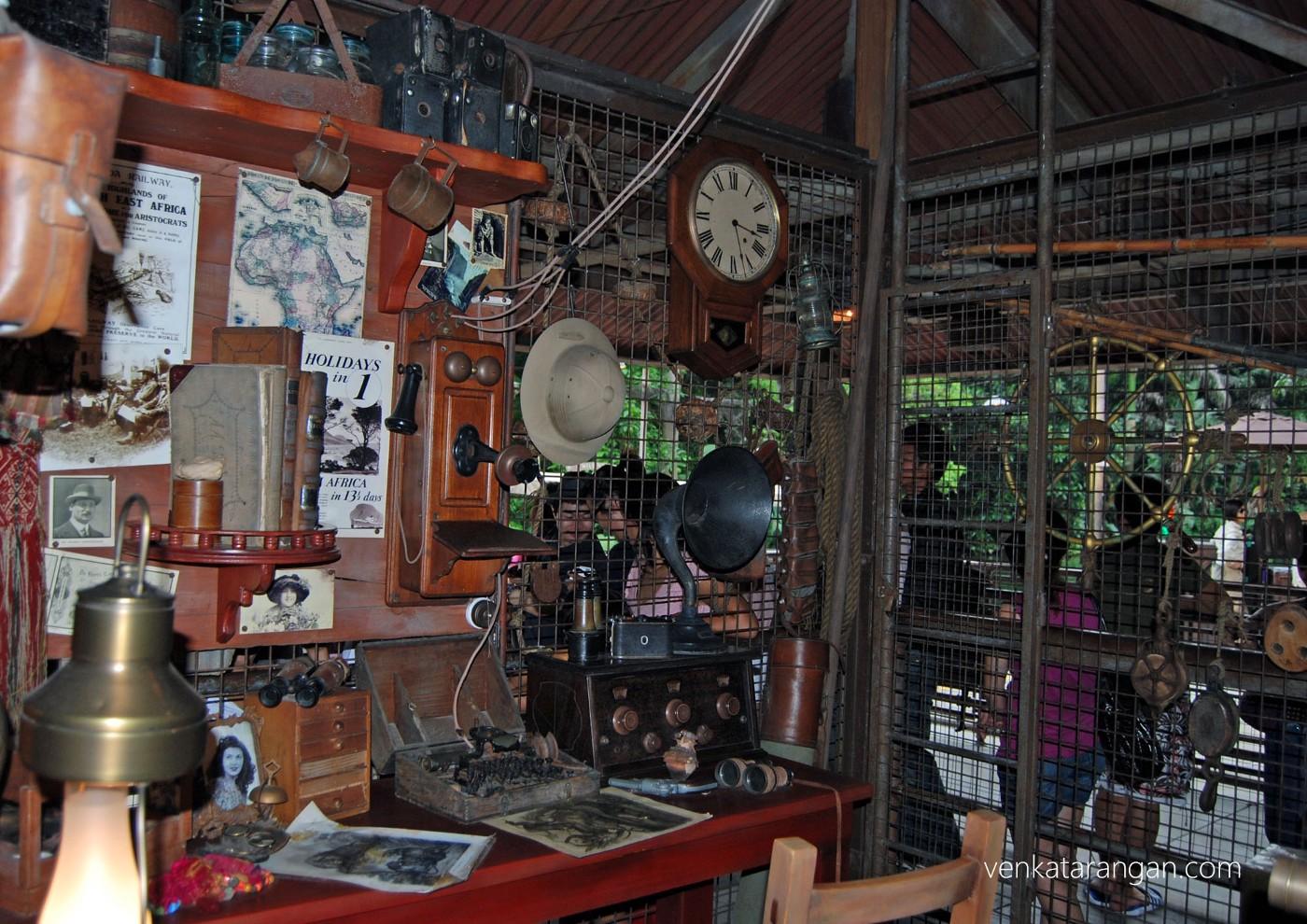 Jungle ride - Explorer's cabin