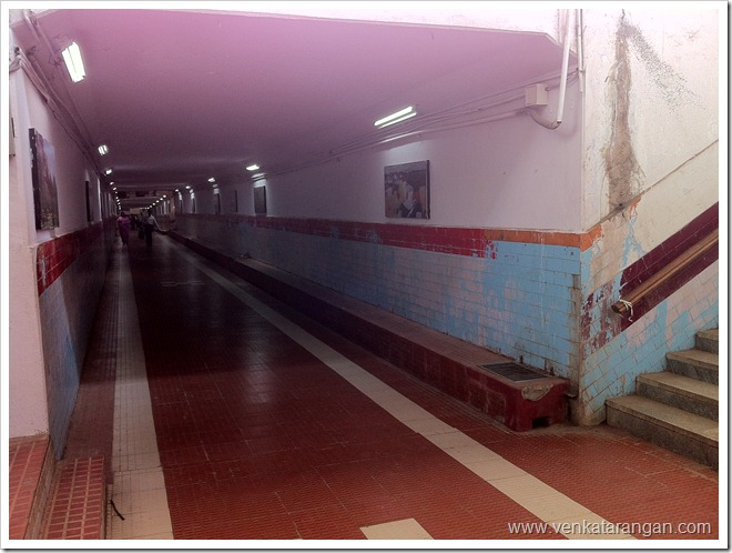Subway between platforms in Bangalore city station