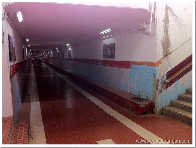 Subway between platforms in Bangalore city station