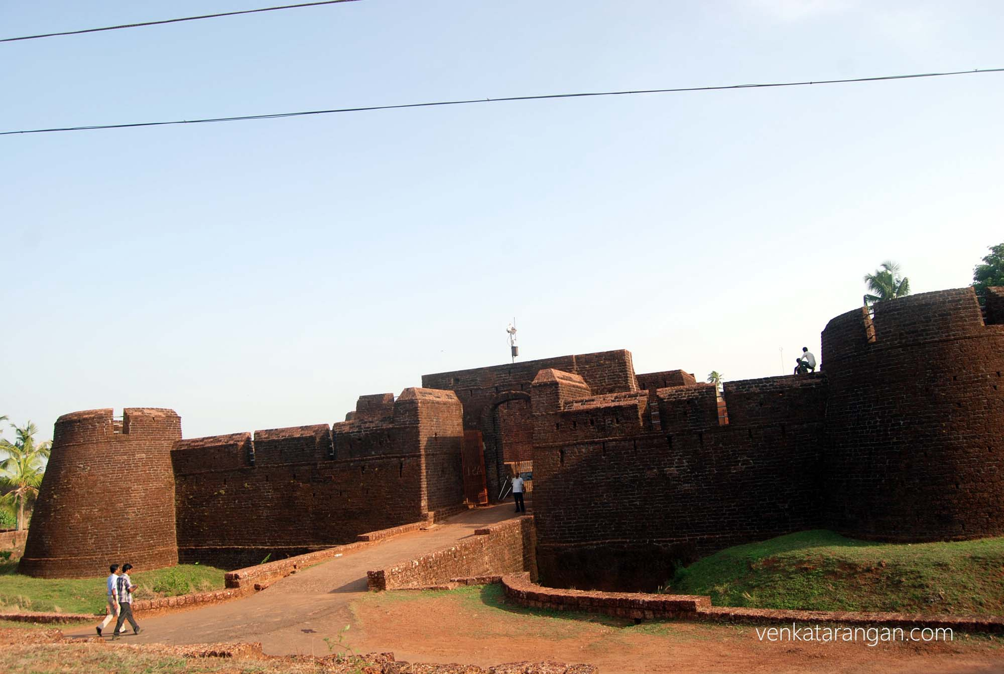 Fort outer wall - well preserved