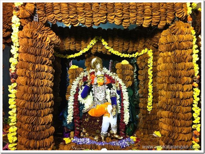 Thirupura-Sundari-SriHanuma-Jayanthi-Vadai-Maalai-2013