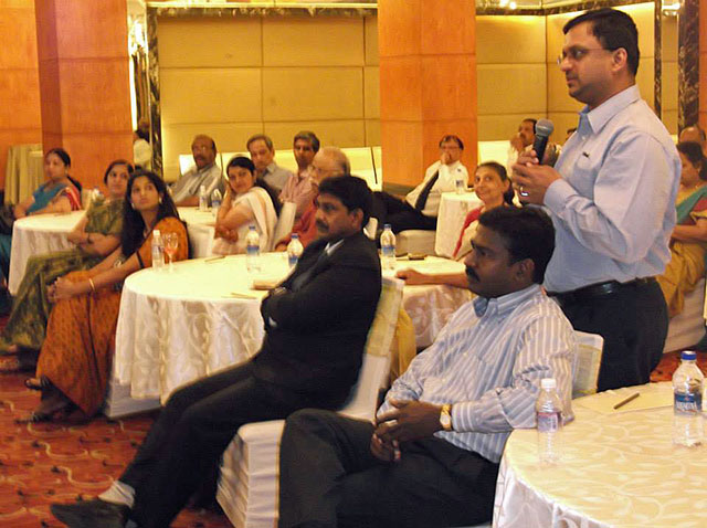 IACC-April-2014-Venkatarangan-asking-question
