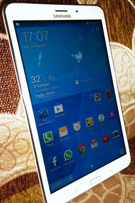 8 inches Samsung Galaxy Tab 4