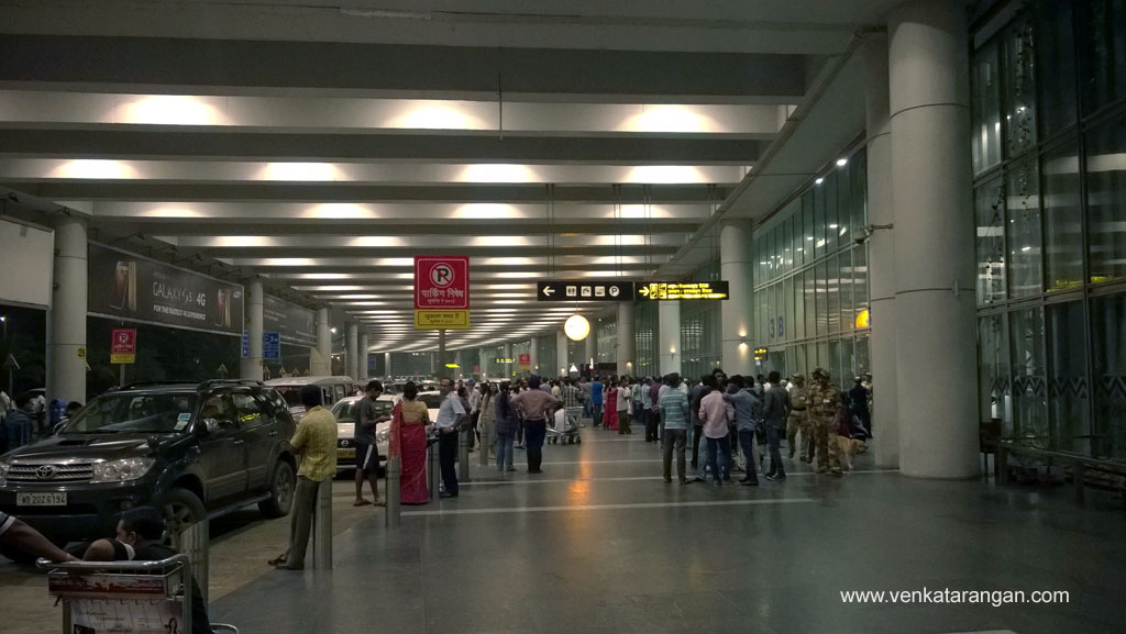 Netaji Subhash Chandra Bose Airport, Kolkata- Arrival curb-side
