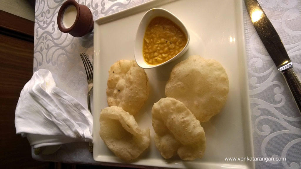 Phulko Luchi with Daal and Mishti Doi at Taj Bengal breakfast