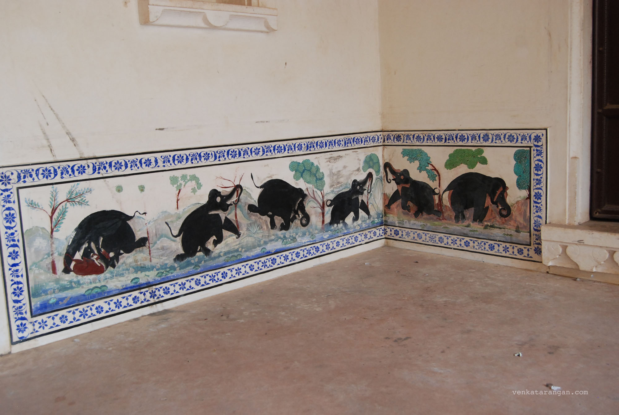 Tiles work inside the palace in Kumbhalgarh Fort