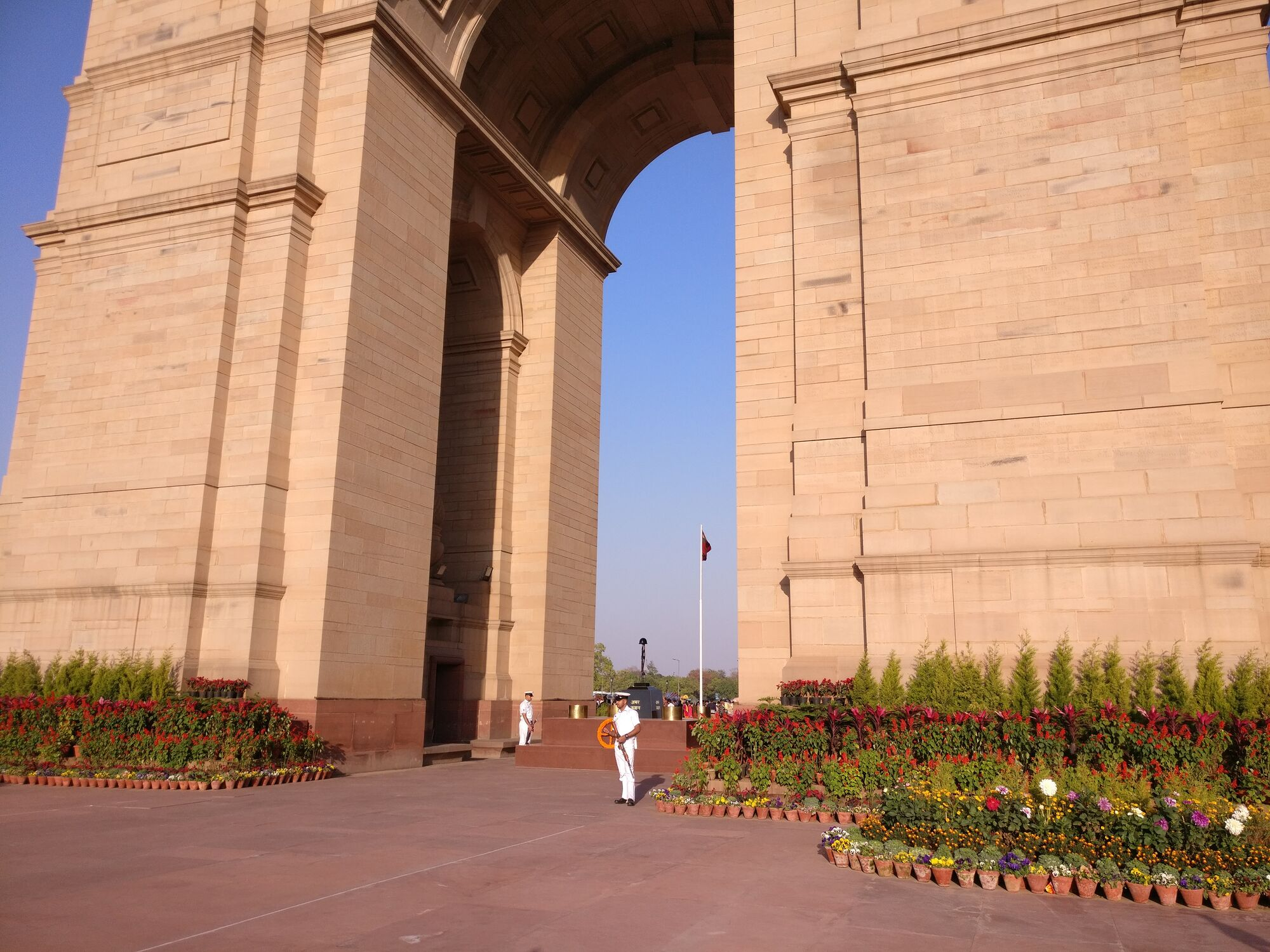 Beneath the archway, you can see Amar Jawan Jyoti (Flame of the Immortal Soldier), serving as India's tomb of the unknown soldier