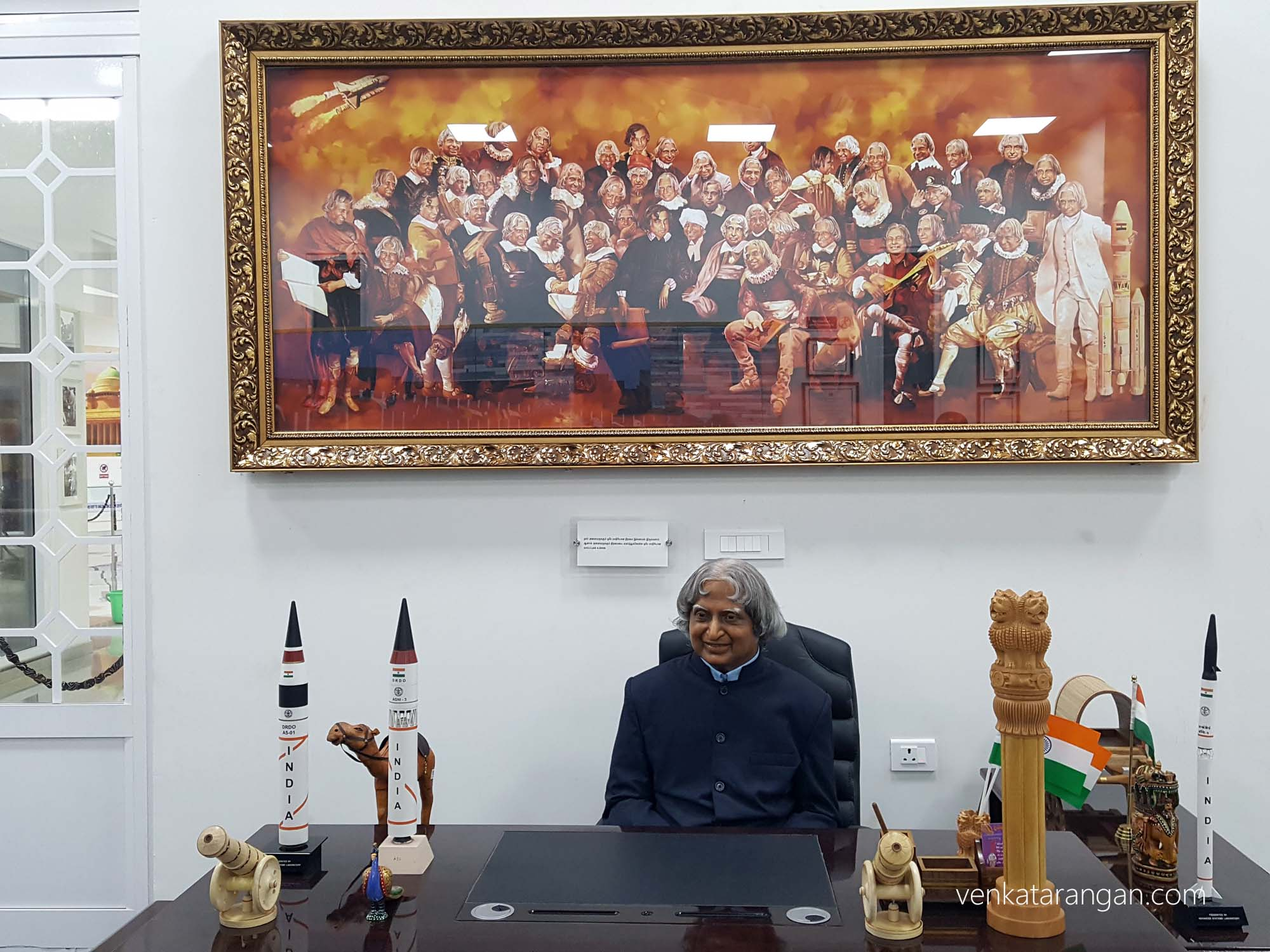 Replica of his table at Rashtrapathi Bhavan