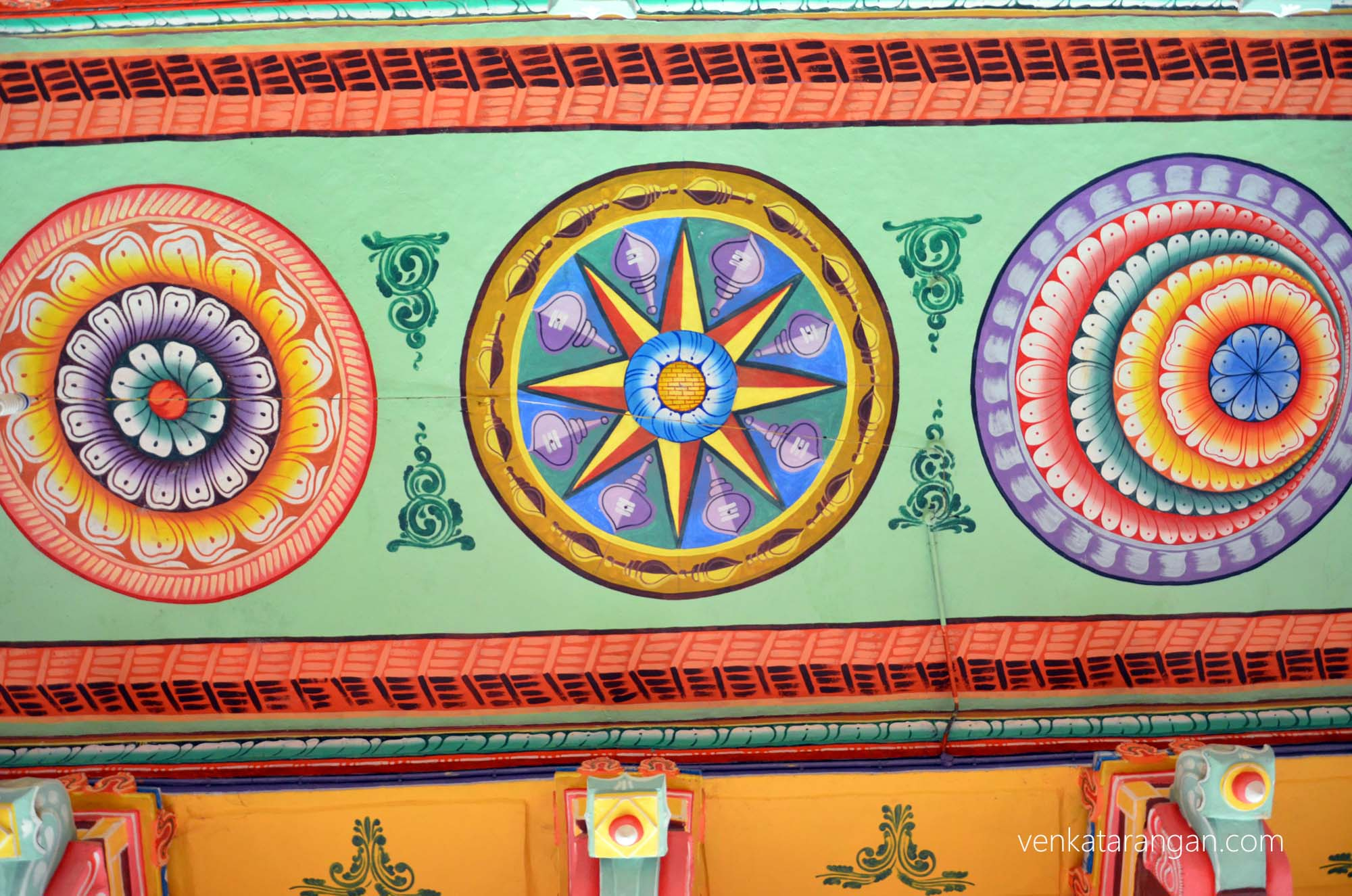 Even the ceilings are beautifully painted - Rameswaram temple corridors