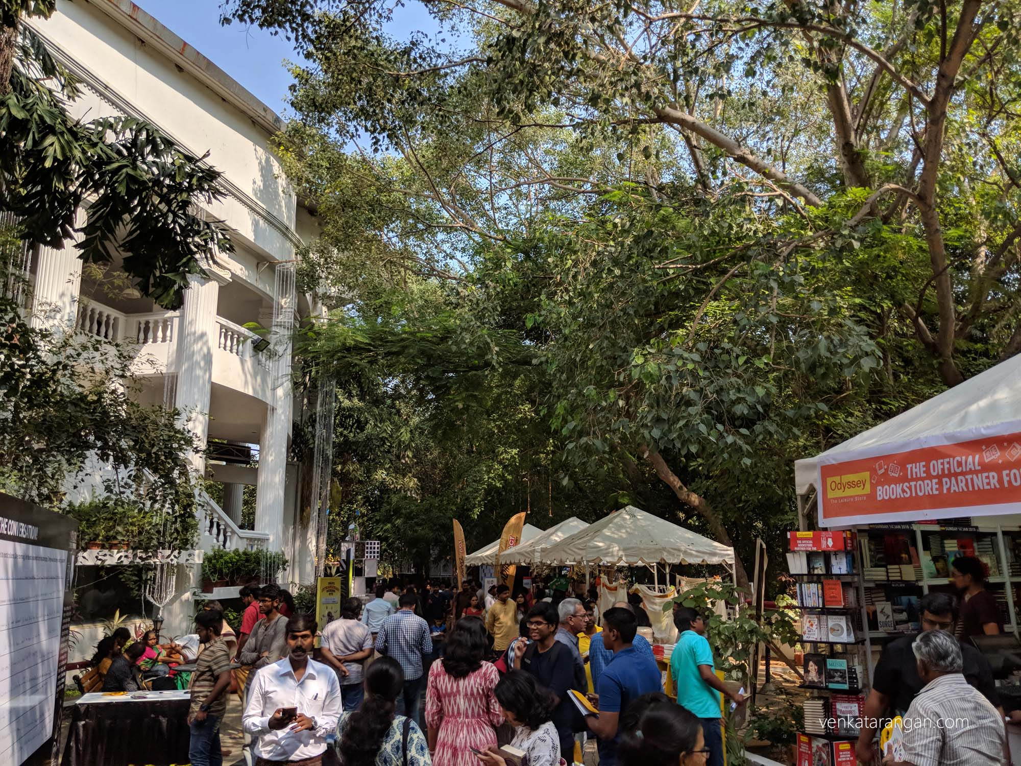 Bazaar outside the hall selling books