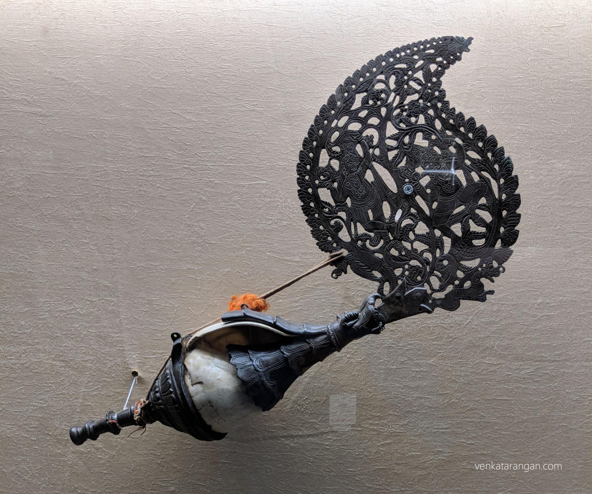 கோயில் இசை, காற்று இசைக் கருவி: Conch (சங்கு), most ancient wind instrument known to man. Year of acquisition: 1903.