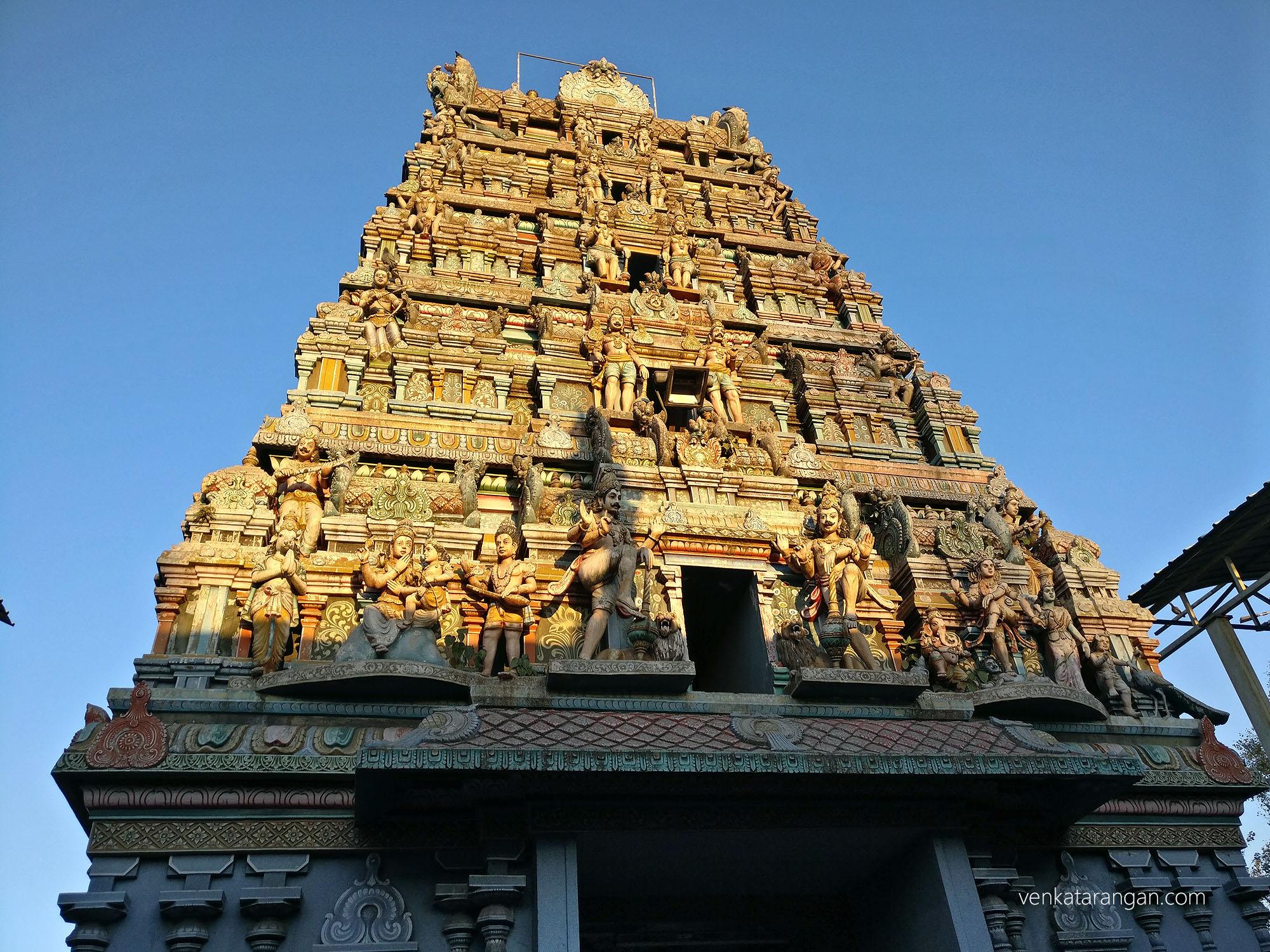 திருக்கோயில் கோபுரத்தில் உள்பக்க பார்வை
