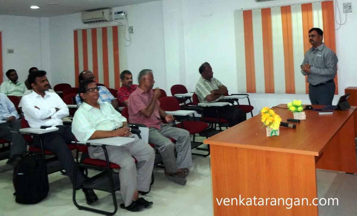 Venkatarangan presenting to the members of CSI and IEEE Madras