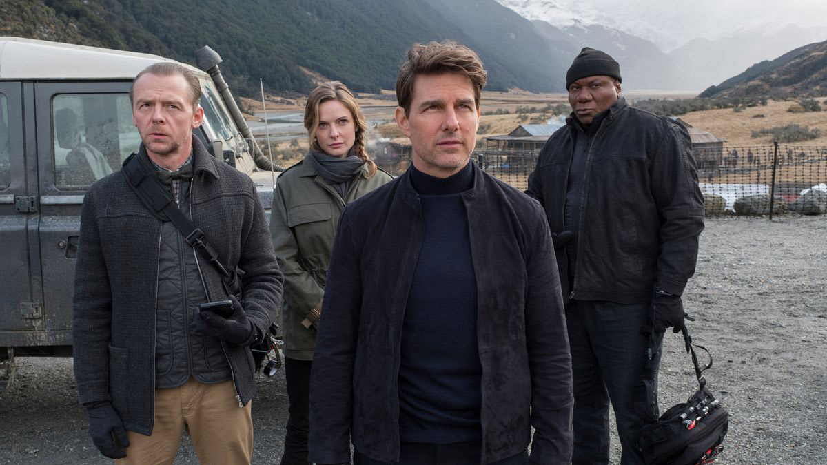 Simon Pegg as Benjamin,  Rebecca Ferguson as Ilsa Faust, Tom Cruise as Ethan Hunt & Ving Rhames as Luther Stickell