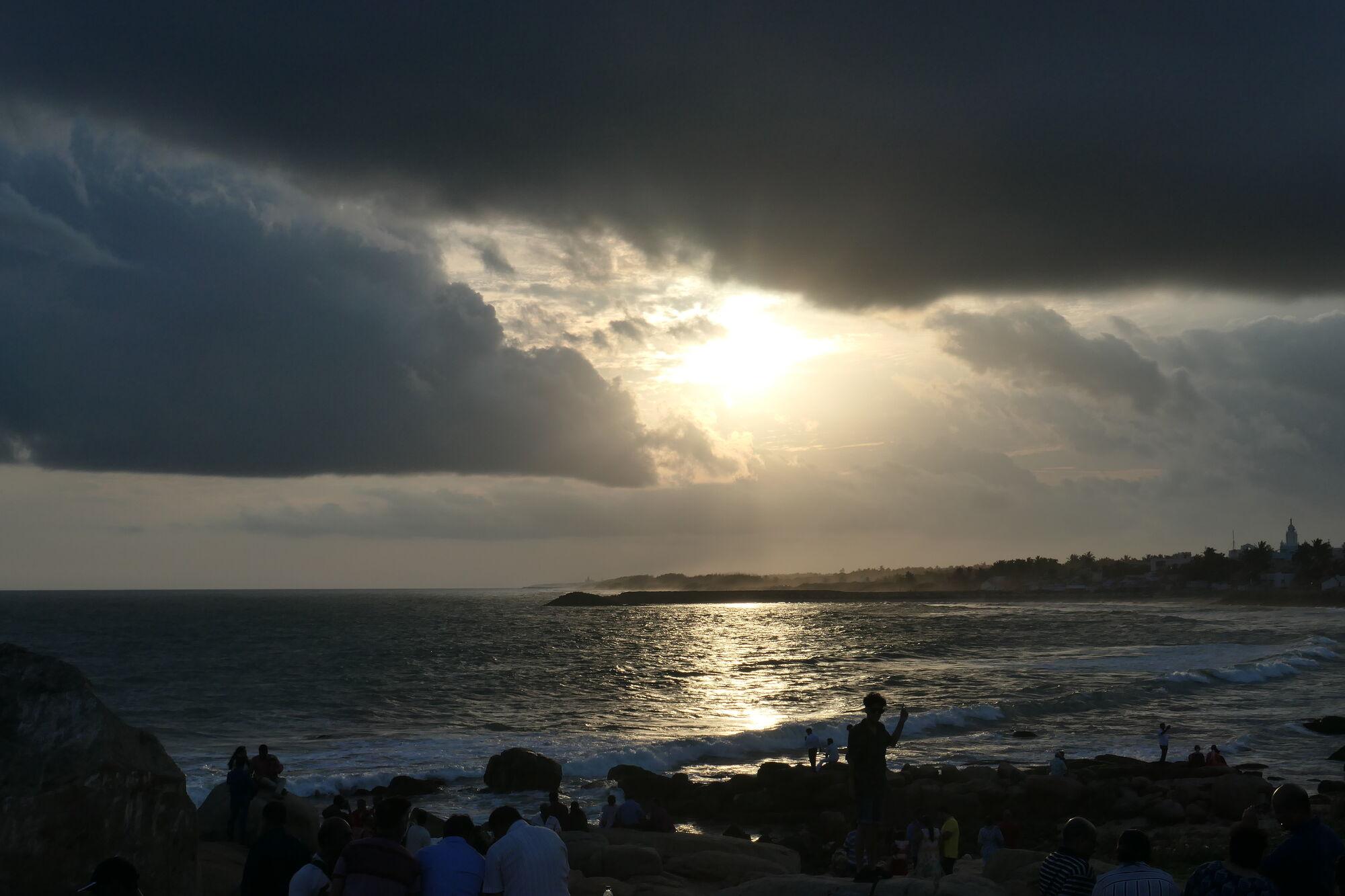 Picture of sunset at Kanyakumari taken with Panasonic Lumix DC-Z200