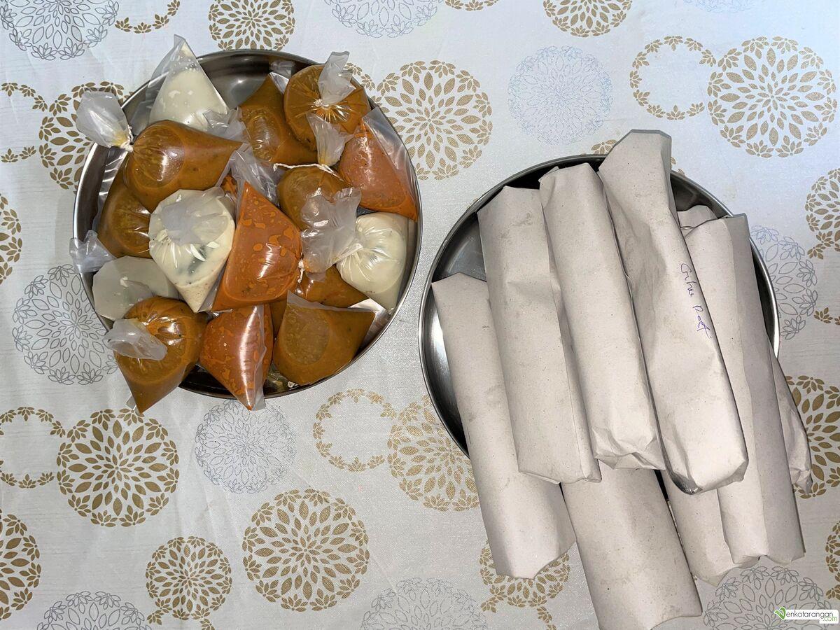 Nice packing of individual dosais, chutney and sambars
