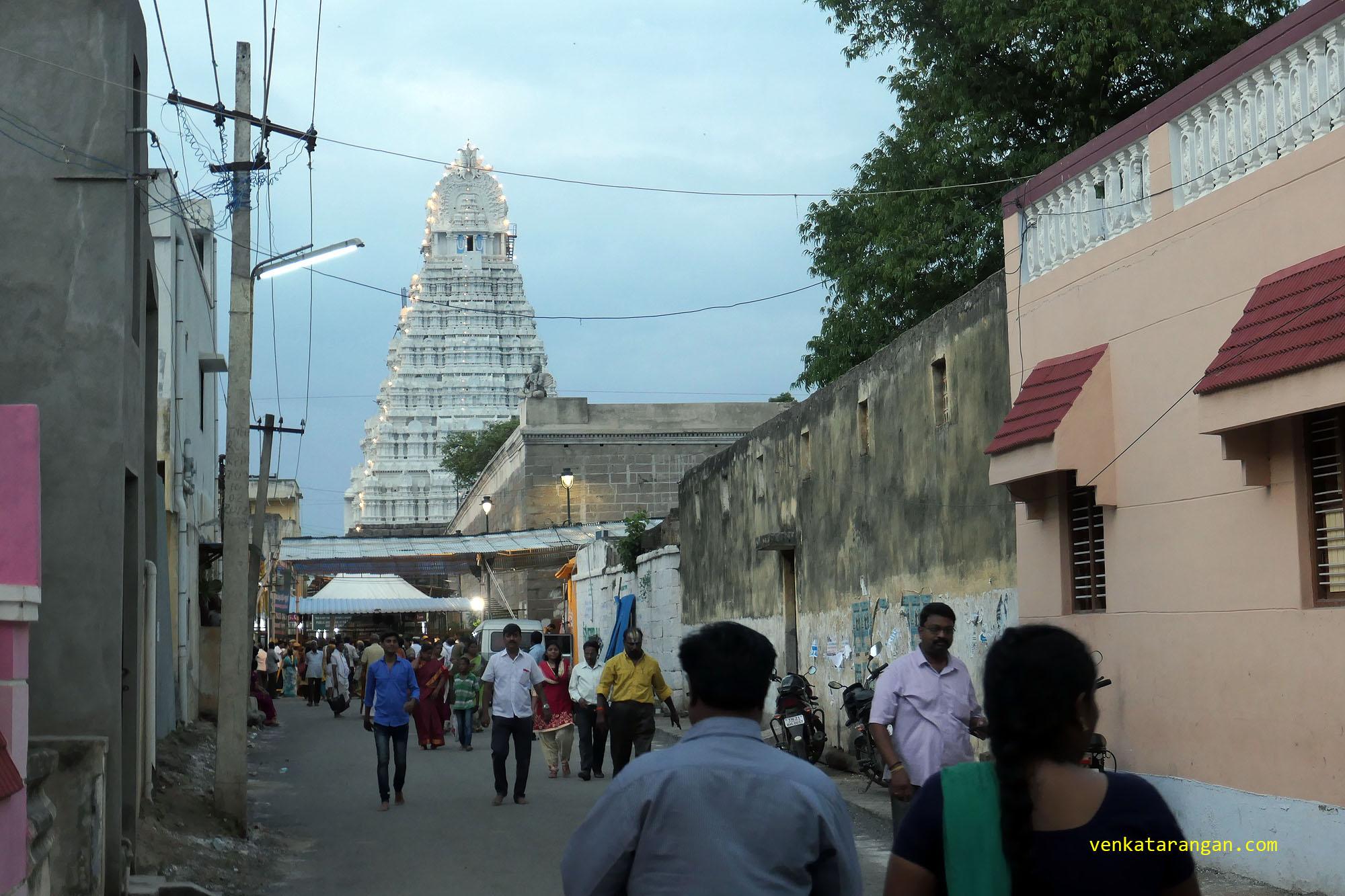 காஞ்சி ஸ்ரீவரதராஜ பெருமாள் - மேற்கு போபுரம்