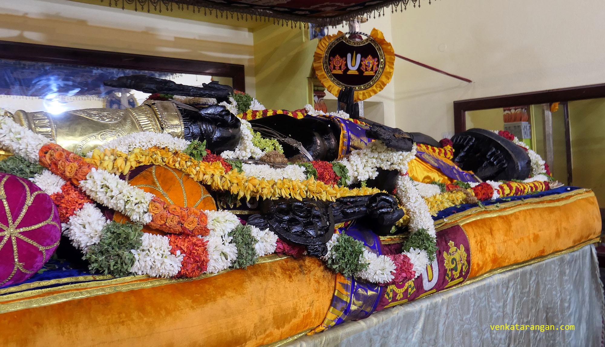 வஸந்த மண்டபத்தில் காஞ்சி திரு அத்தி வரதர்