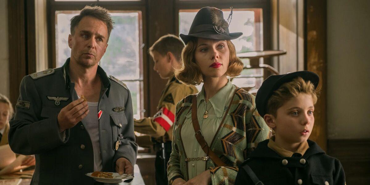 Sam Rockwell, Scarlett Johansson and Roman Griffin Davis
