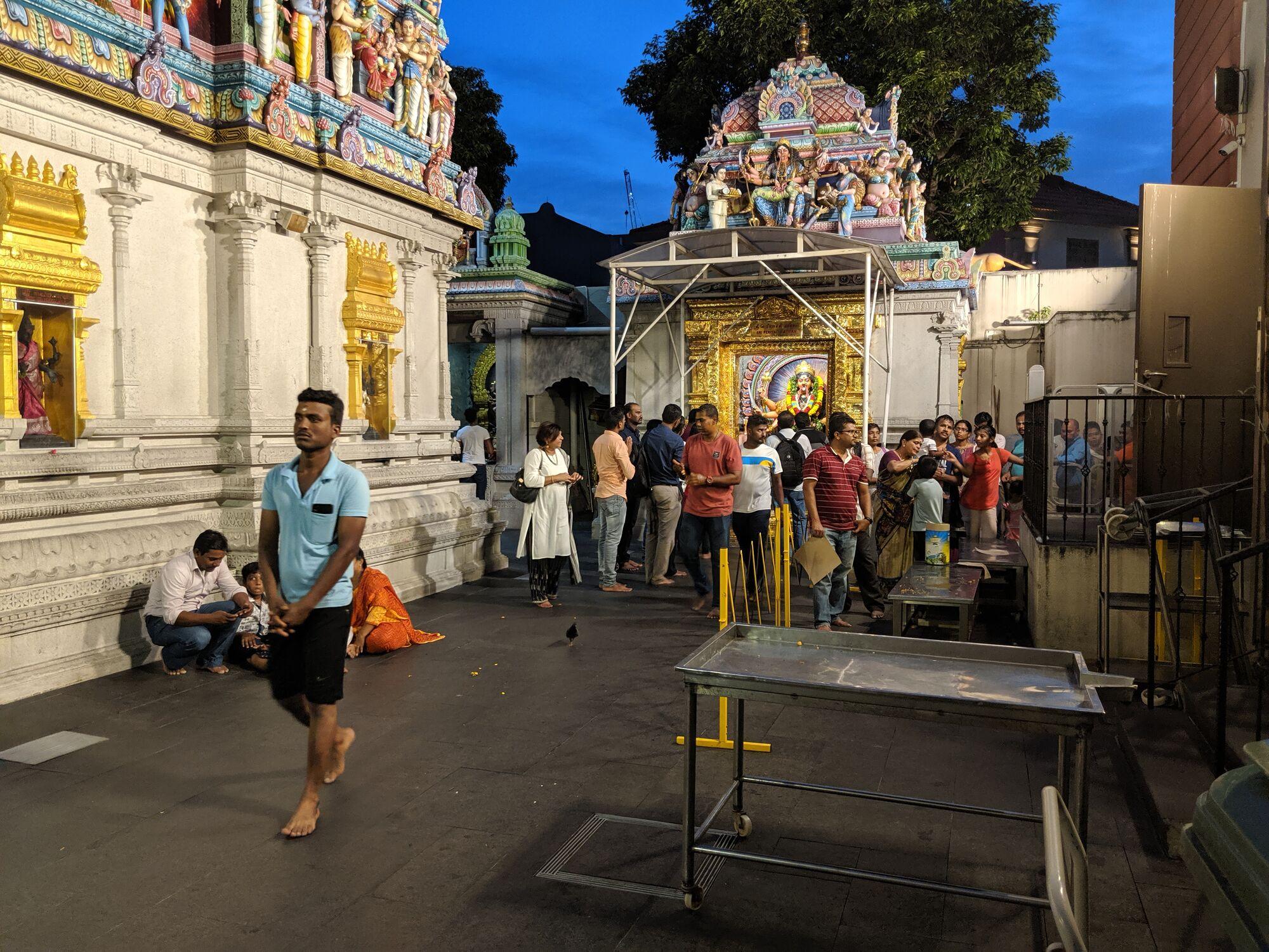 கோயில் உள் பிரகாரம்