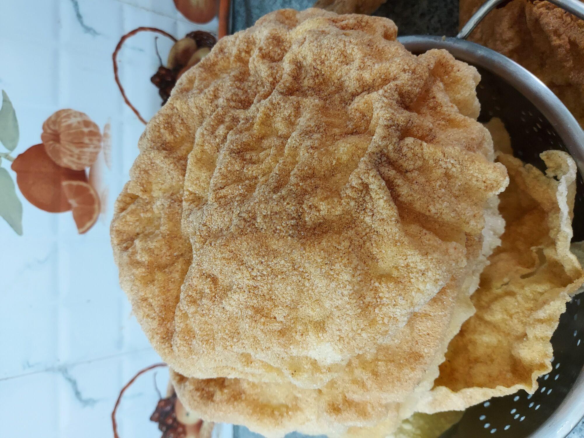 """""""இலை வடாம்"""", ஒரு வகையான அப்பளம் (Appalam), the rice flour crispy snack is a treat"""