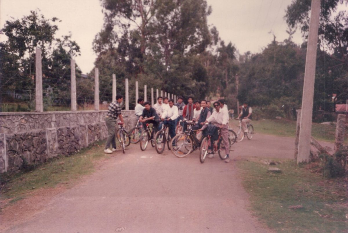 Cycling with my classmates around ooty lake in 1995