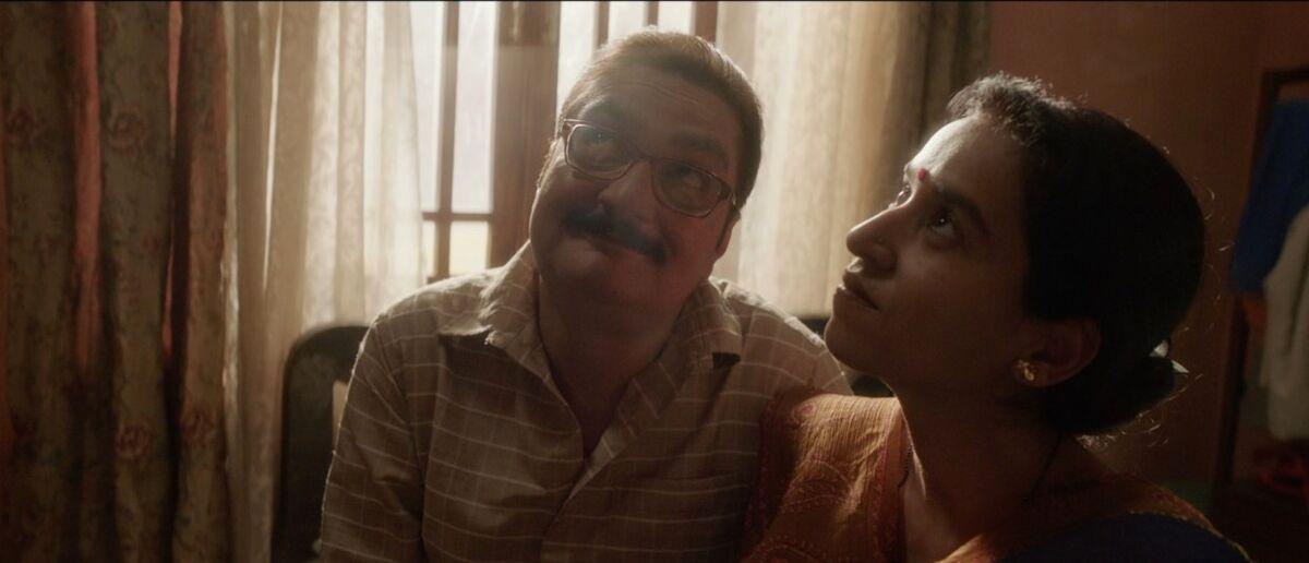 Vinay Pathak as Madan Tiwary and Tillotama Shome as Sudha Tiwary