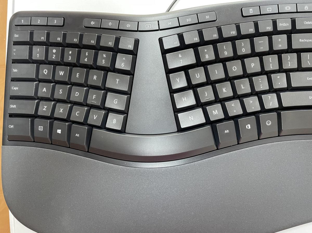 Microsoft Ergonomic Keyboard - split keys, the raised middle column and the large wrist pad