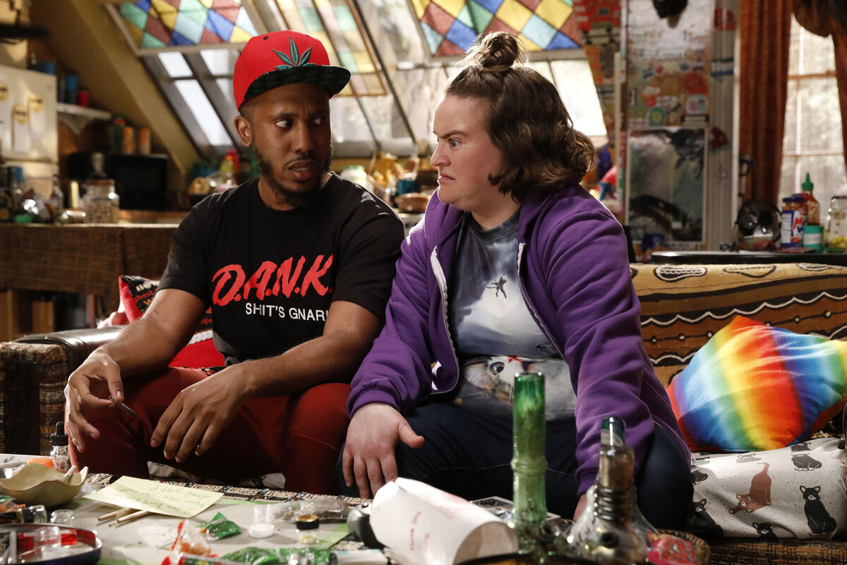 Chris Redd as Dank and Betsy Sodaro as Dabby - Disjointed (2017)